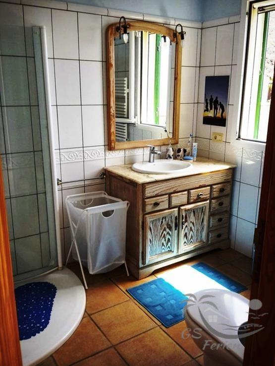 Badezimmer 1 / bathroom 1