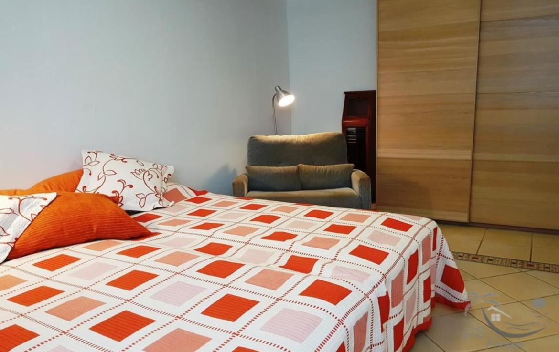 Schlafzimmer 2 / bedroom 2
